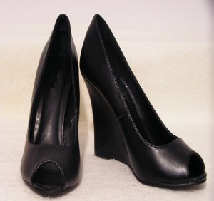 SEXY BLACK OPEN TOE  PLATFORM WEDGE SHOES SANDALS BY CLASSIFIED WOMEN SIZE 7 SASSY DIVA SHOES