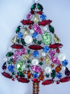Designer Multicolor special stones pearls xmas tree pin