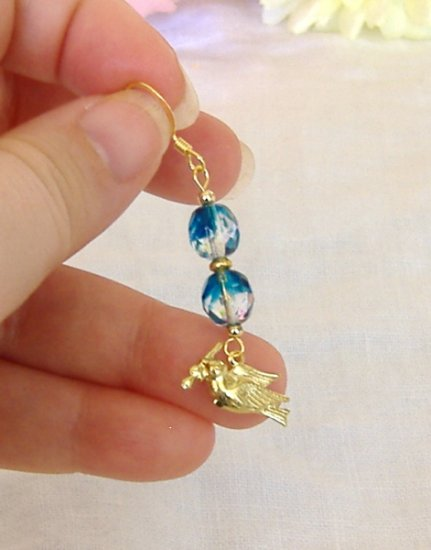 FREE SHIPPING Gorgeous blue glass beads and bird charm earrings