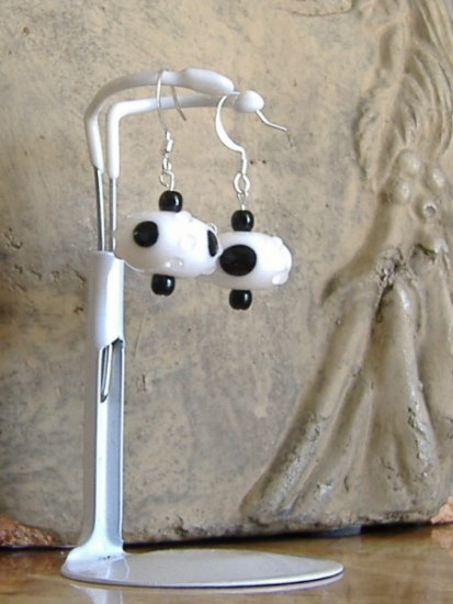 FREE SHIPPING black and white lampwork glass earrings Too cute