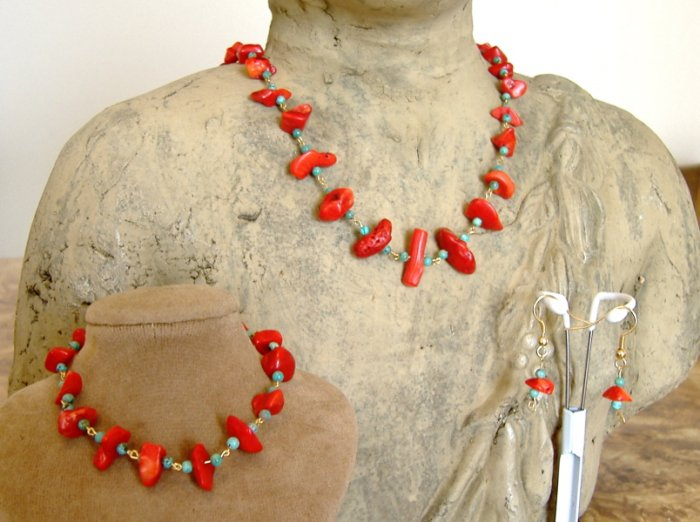 FREE SHIPPING Beautiful red coral and turquiose necklace earrings bracelet set