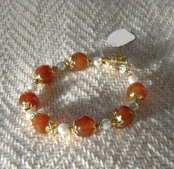 FREE SHIPPING Very Pretty red agate and white pearls bracelet Gold accents