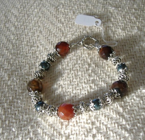 FREE SHIPPING Red agate and Swarovski pearls bracelet with earrings