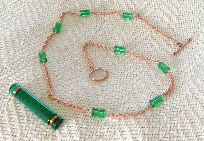 FREE SHIPPING Very nice green glass and copper chain necklace Vintage art deco pendant