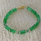 FREE SHIPPING Super pretty green glass bracelet