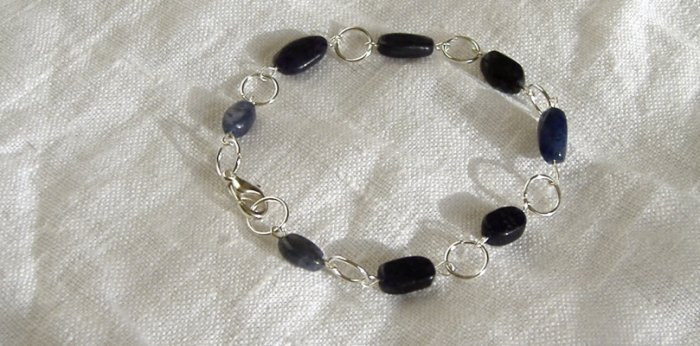 FREE SHIPPING perfect bracelet with denim jeans iolite stones