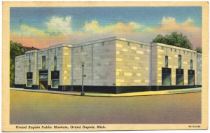 Grand Rapids Public Museum, Michigan Postcard