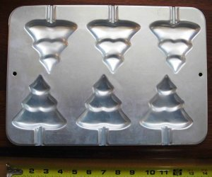 Wilton Cake Pan 6 Christmas Tree Shaped Holiday Bakery Bakeware Baking Pan