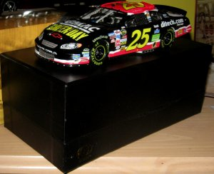 Nascar Action ELITE Brian Vickers Green Day 1/24 signed