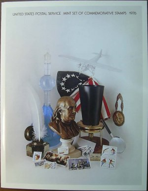 1976 USPS Commemorative Mini-Album with complete set of Unused MNH stamps E3035