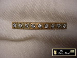 Vintage Rhinestone & Gold Pin