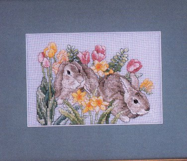 HARDANGR EASTER CROSS LIGHTHOUSE WILDFLOWERS XMAS TOWN JUST CROSS STITCH APR '99