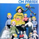 DOLLS & CLOTHES ON PARADE KNIT SEW CROCHET EMBROIDER CHARACTER DOLLS! 1981 VGC