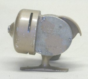 Vintage Shakespeare 1773 Spin Cast Fishing Reel Crappie