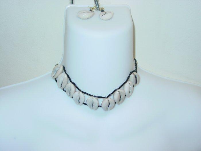 Handmade Cowrie Shell Jewelry Set