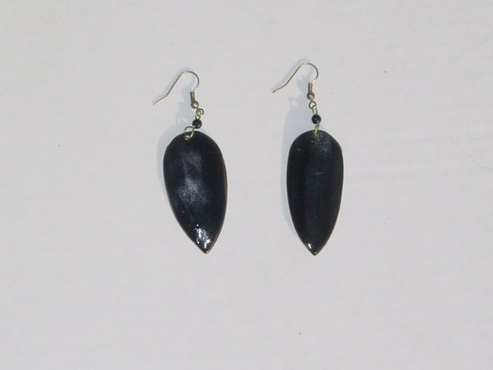 Handmade Shell Earrings- Black