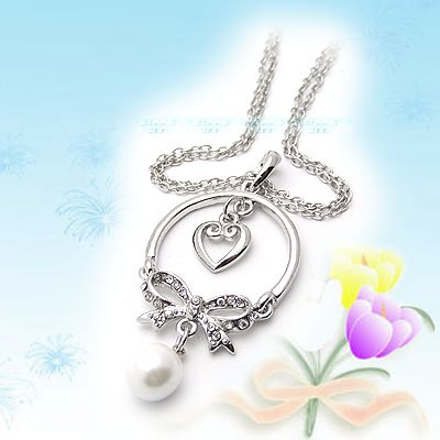 Sweet Diamond Heart with Ribbon and Pearl Necklace E041534