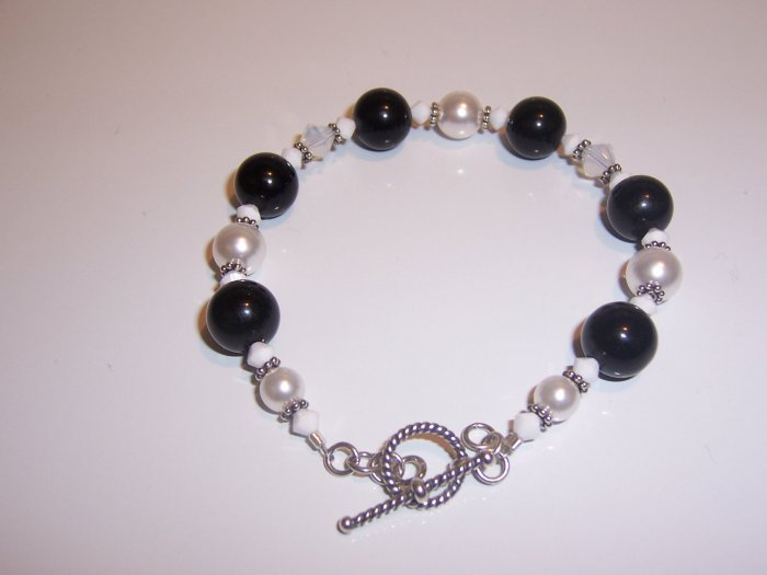 Black and White Braclet with Swarovski Crystals and Pearls