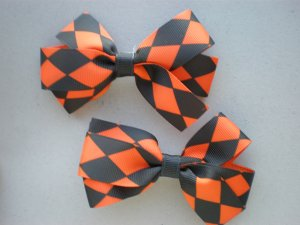 Angela's Accessories Halloween Checkered Bows: 15% off!!