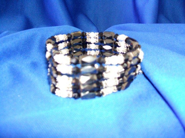 Black/White Magnetic Wrap