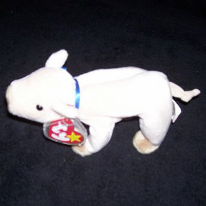 Knuckles The Pig TY Beanie Baby Born March 25, 1999