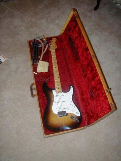 ORIGINAL 1956 Fender stratocaster ...NEAR MINT!!!!