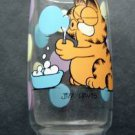 """Garfield the Cat Blowing Bubbles Clear Glass Tumbler 6"""" Tall"""