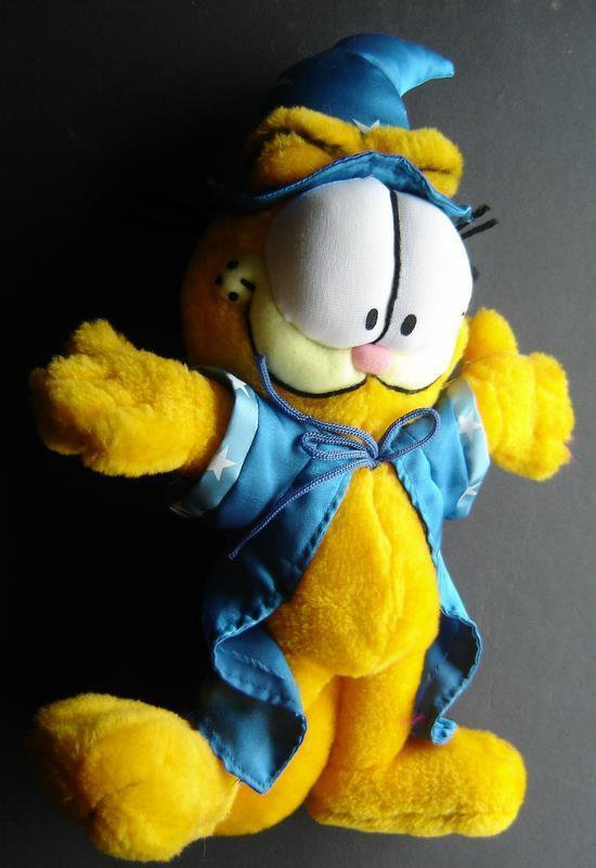 """Garfield the Cat Plush in Blue Wizard Robe & Hat Outfit 14"""" Tall 10"""" Wide"""
