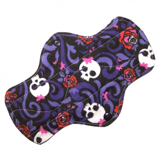 """Cloth Pantyliner 9"""" Skulls and Roses"""