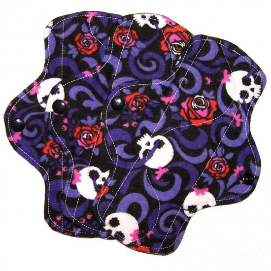 """Cloth Pantyliner 8"""" Skulls and Roses"""
