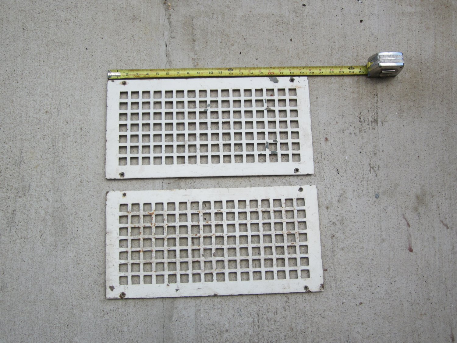 2 Cast Iron Wall Vents