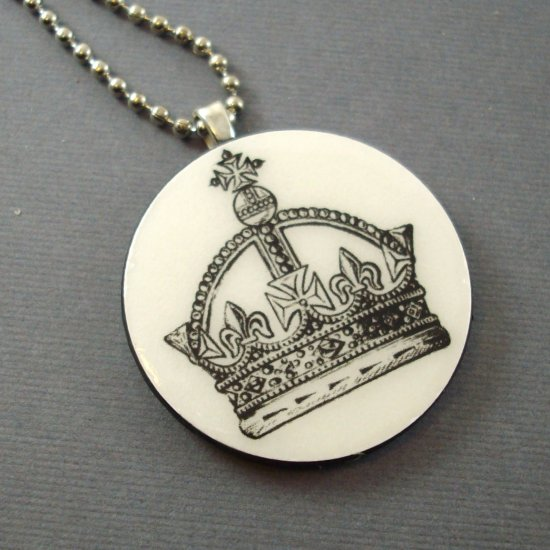 Crown on Wooden Pendant Jewelry