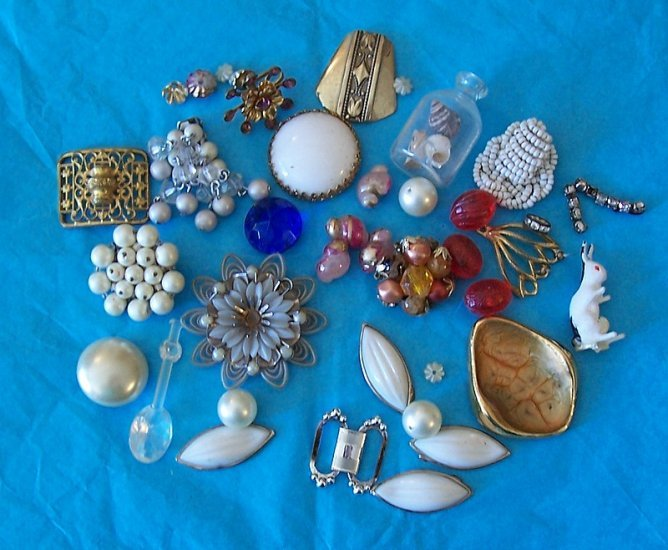 Lot One 1950s vintage jewelry pieces and other findings for crafting