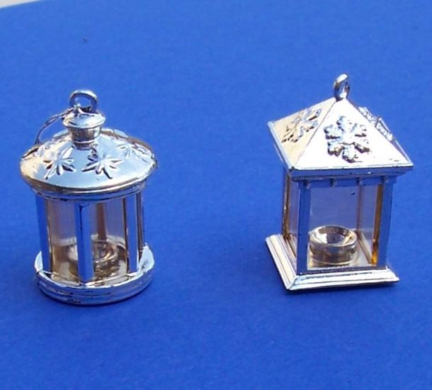 Dollhouse miniatures two porch lights or lanterns