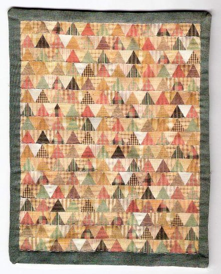 Dollhouse quilt handsewn and quilted