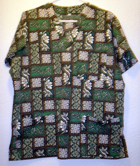 Creations by Kanani made in hawaii scrub top shirt sz Medium 00037