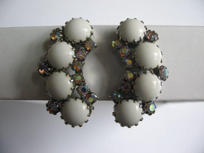 WHITE MILK GLASS EARRINGS