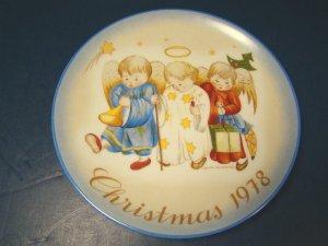 1978 HEAVENLY TRIO HUMMEL CHRISTMAS PLATE SISTER BERTA PORCELAIN CHINA SCHMID ANGELS BOX GERMANY