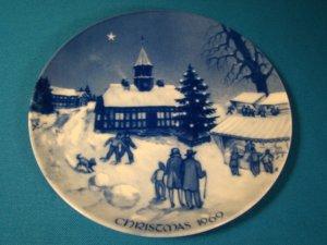 Royale Blue Winter China Christmas Fair in Ebeltoft Denmark plate 1969 Germany porcelain