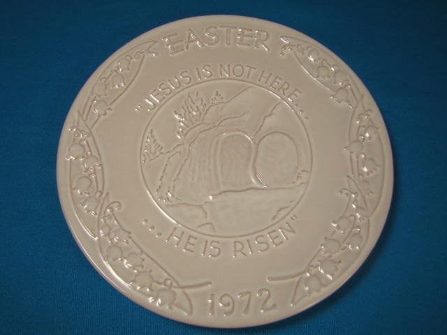 Frankoma Easter plate 1972 Oral Roberts Association Tulsa OK. pottery, Jesus is not here He is Risen