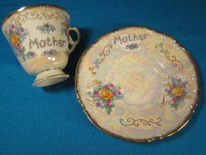 Mother tea coffee cup saucer iridescent pearly swirl Enesco china yellow rose flower bouquet for Mom