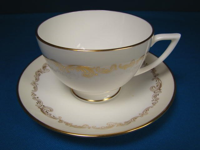 Minton Felicity England bone china tea coffee cup saucer H5289 gold scroll design porcelain