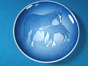 1972 Mother's Day B&G Bing and Grondahl Mors Dag 4th plate Denmark blue white horse foal