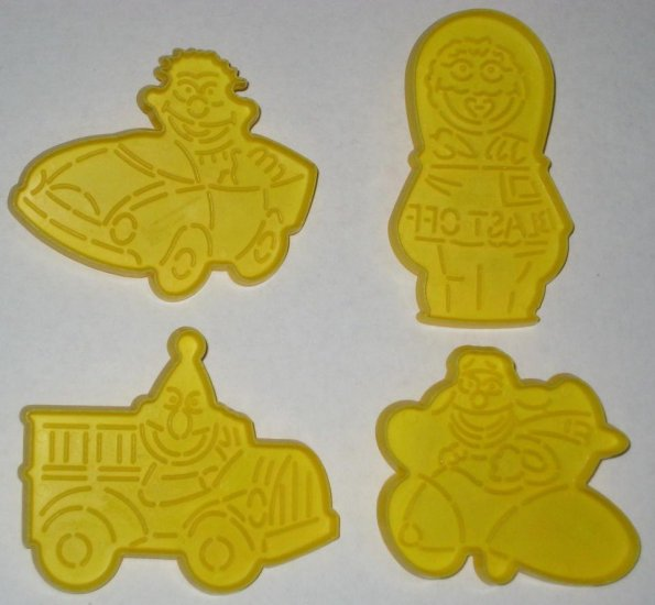 SOLD Sesame Street Cookie Cutters - Wilton - 2304-118 - Bert - Ernie - Going Places - Muppets