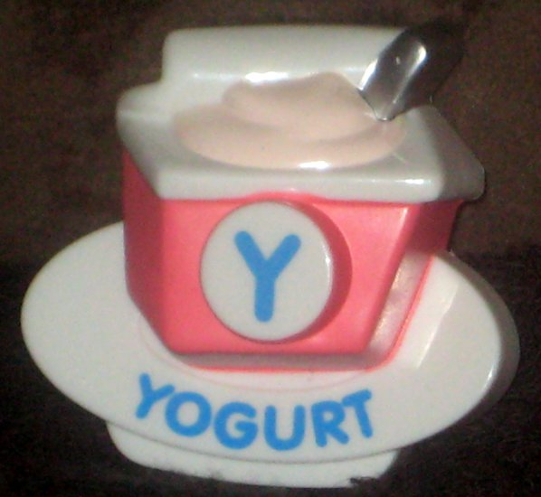 VTech ABC Food Fun Replacement Letter Y Pink Yogurt Magnetic Refrigerator
