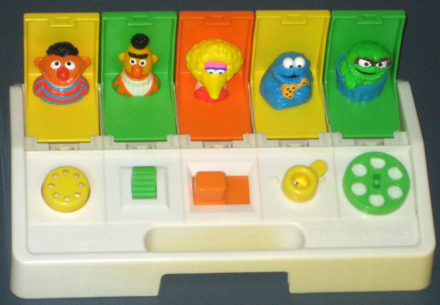 Playskool Busy Poppin Pals SOLD Sesame Street Bus...