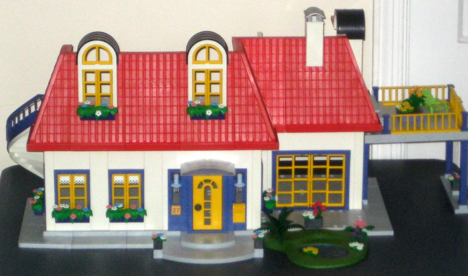 SOLD Playmobil 3965 Modern House 3964 Children's Room 3966 ...