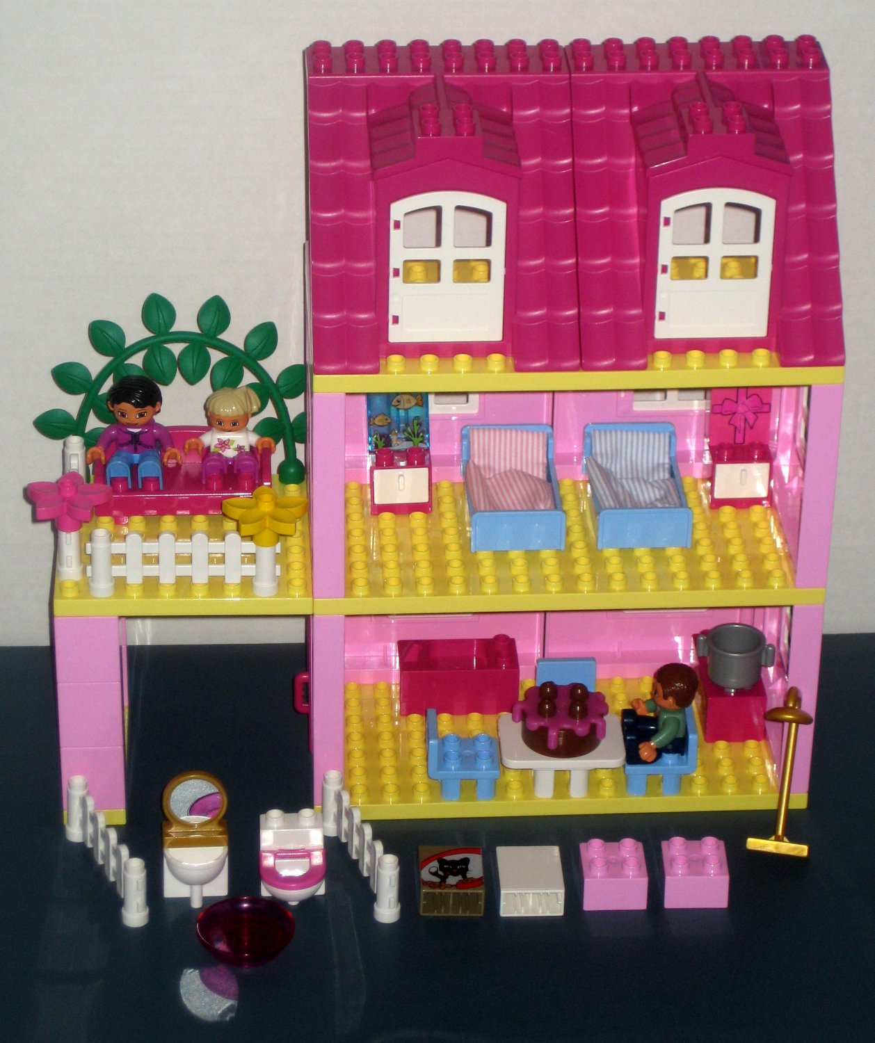 Sold Lego Duplo 4966 Doll S House