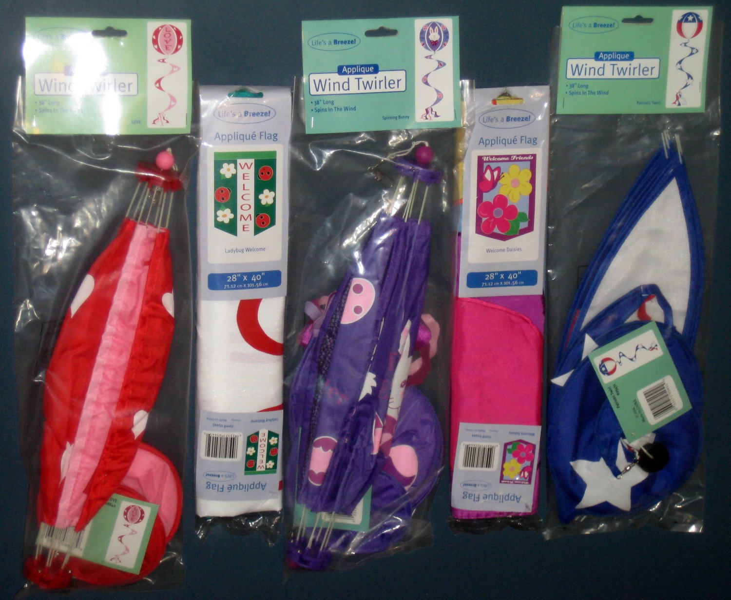 Lot 20 Decorative Garden Flags (2) + Wind Twirlers Spinners (3) Valentine Easter Patriotic NIP
