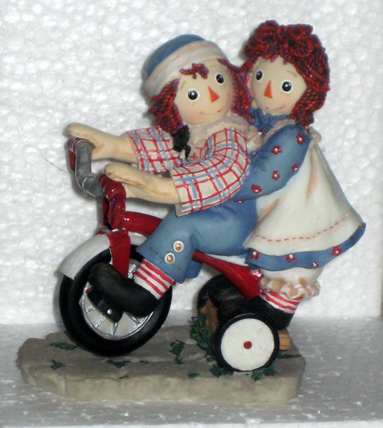 677752 Happiness is Sharing a Cheery Smile Raggedy Ann & Andy Enesco Figurine Tricycle NIB